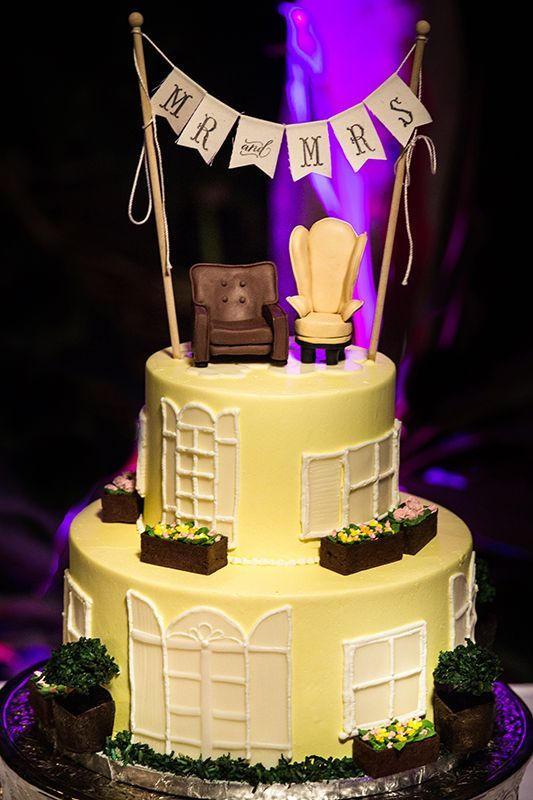 Disney-Themed Wedding Cakes We\'re Obsessed With | Pinterest | Sweet ...