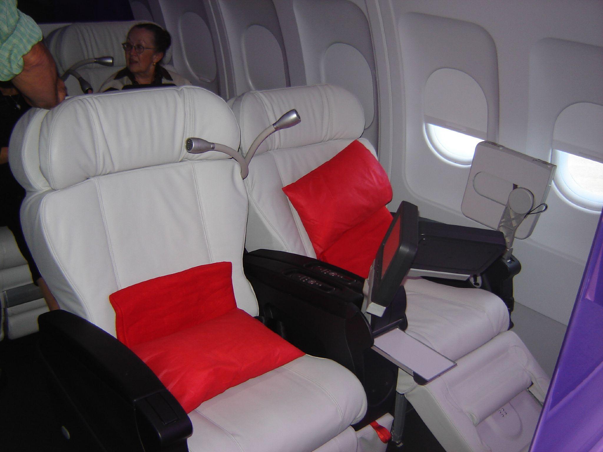 Virgin America File Virgin America First Class Jpg Wikipedia The Free Encyclopedia First Class Airline Flying First Class Virgin America