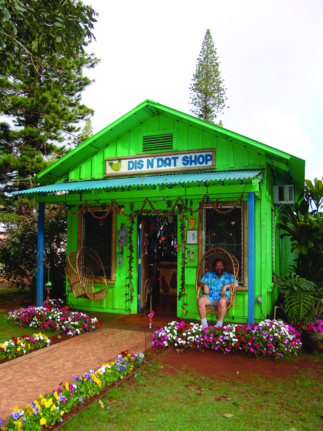 The Dis N Dat Shop In Lanai City Is An Amazing Eclectic And Unique Shop Also Highly Recommended By Frommer S Guide To Hawaii Lanai City Lanai Hawaiian Homes
