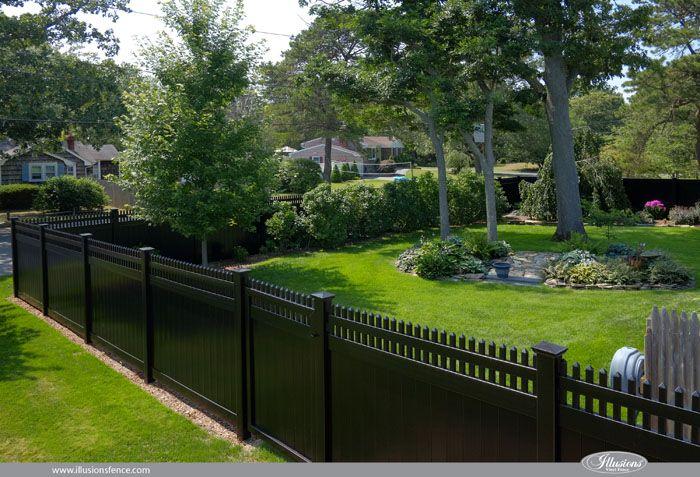 Illusions Pvc Vinyl Fence Photo Gallery Illusions Fence Vinyl Fence Backyard Fences Fence Landscaping