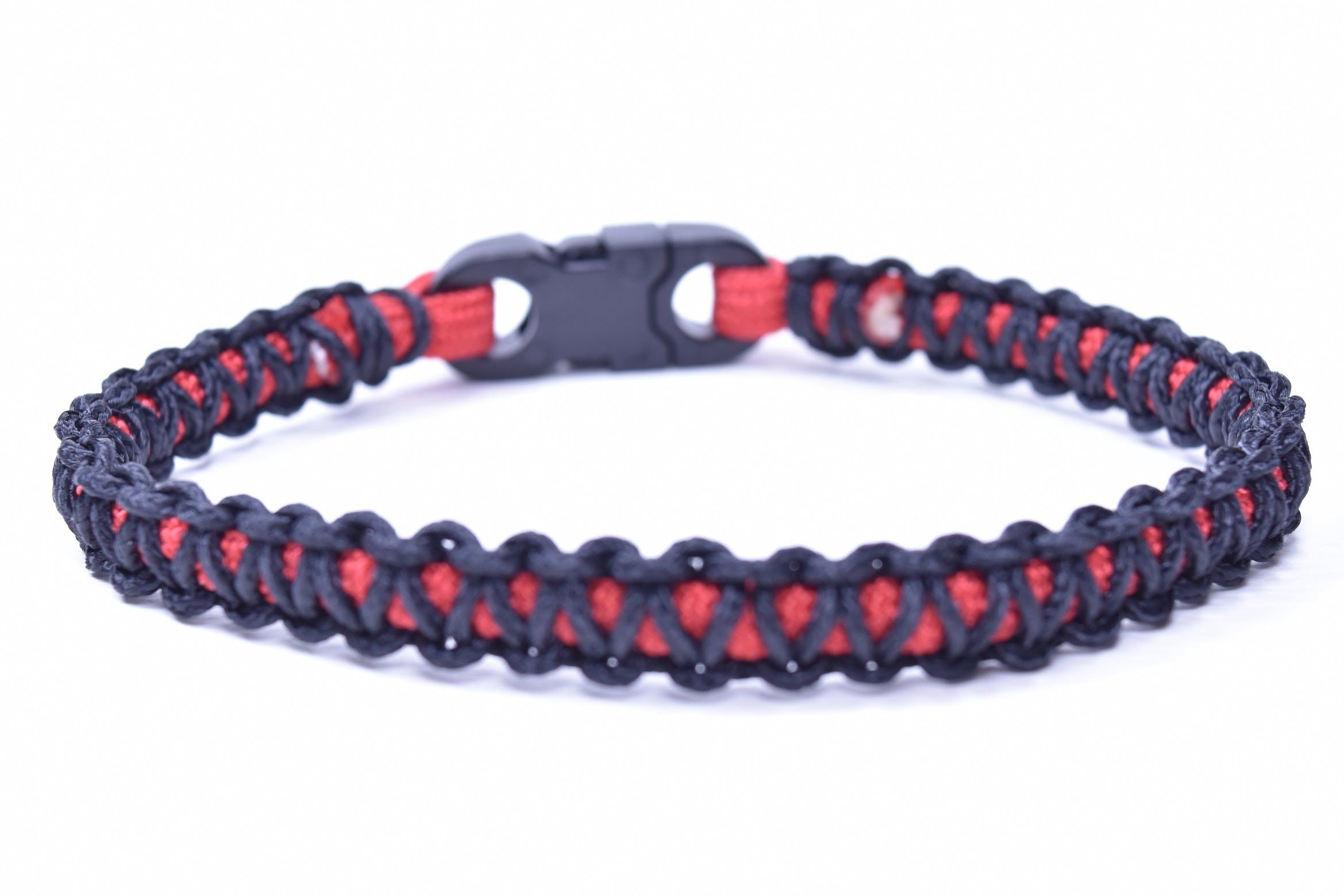 How To Make A Mini Cobra Paracord Bracelet Bored Paracord