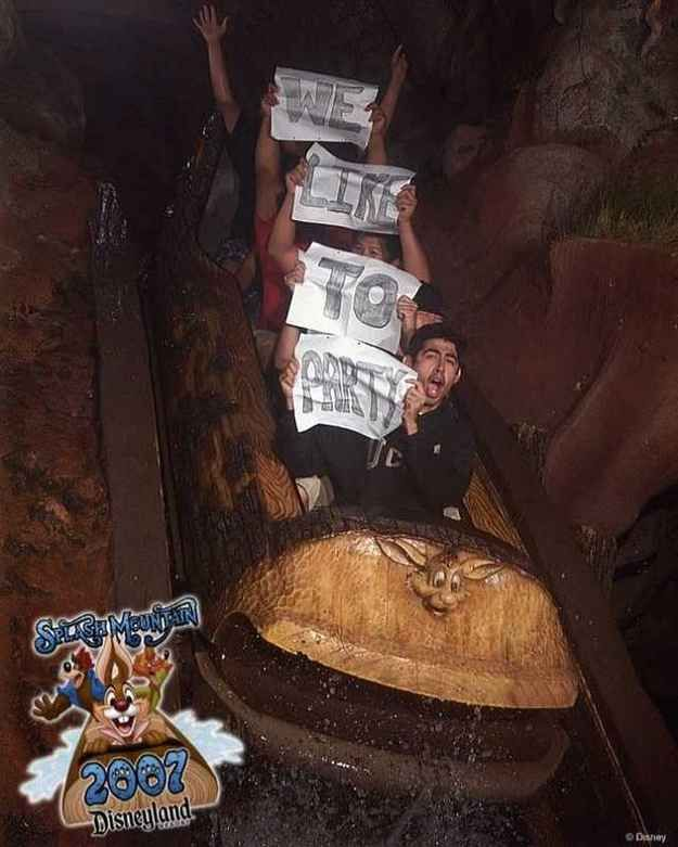 The Party People   19 Hilarious Pictures Of People Posing On Splash Mountain