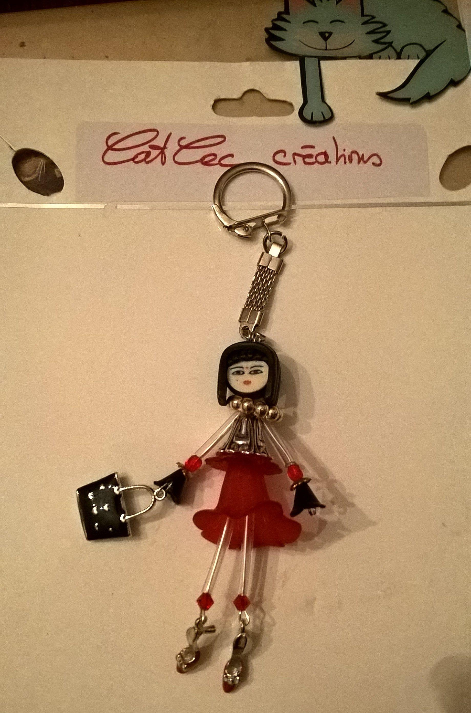 5676c6020c1e poupée porte clef (fleur en lucitte et métal - petits escarpins ...