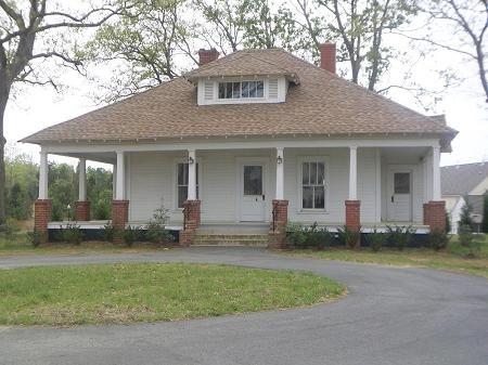 Hip Roof Farmhouse Oldhouses Com 1916 Bungalow Sidney Ethel Grier House In House Roof Cottage Porch Farmhouse Cottage