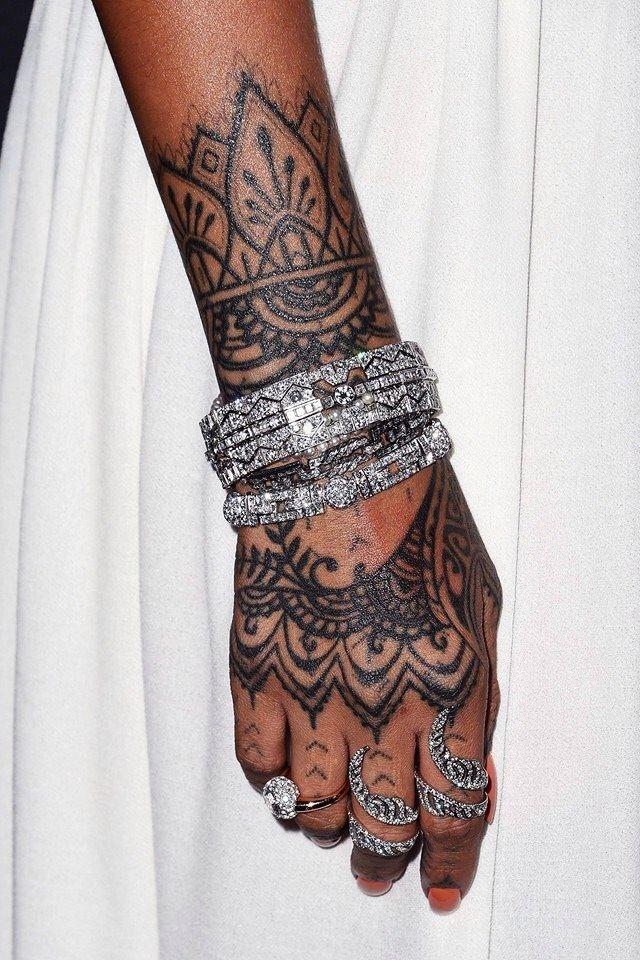 Tattoo Riri! hand rihanna