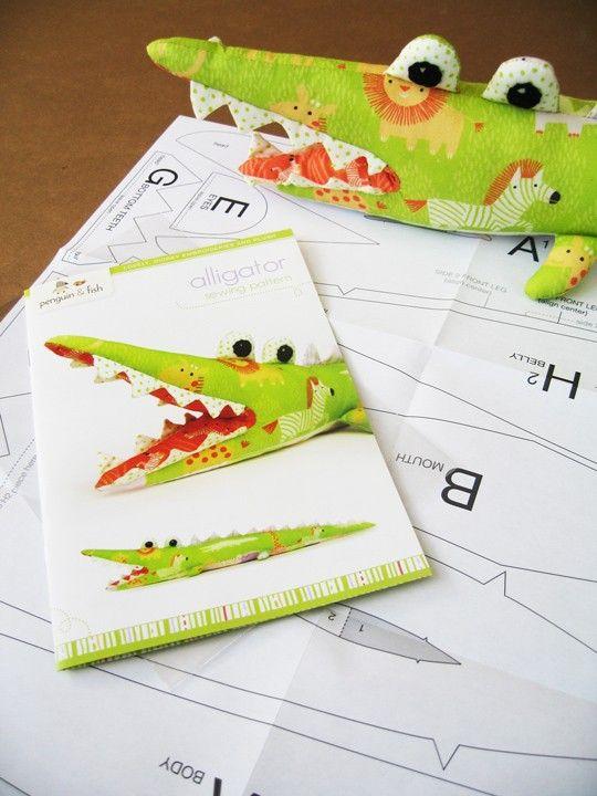 Alligator-Schnittmuster gedruckte Broschüre und von penguinandfish