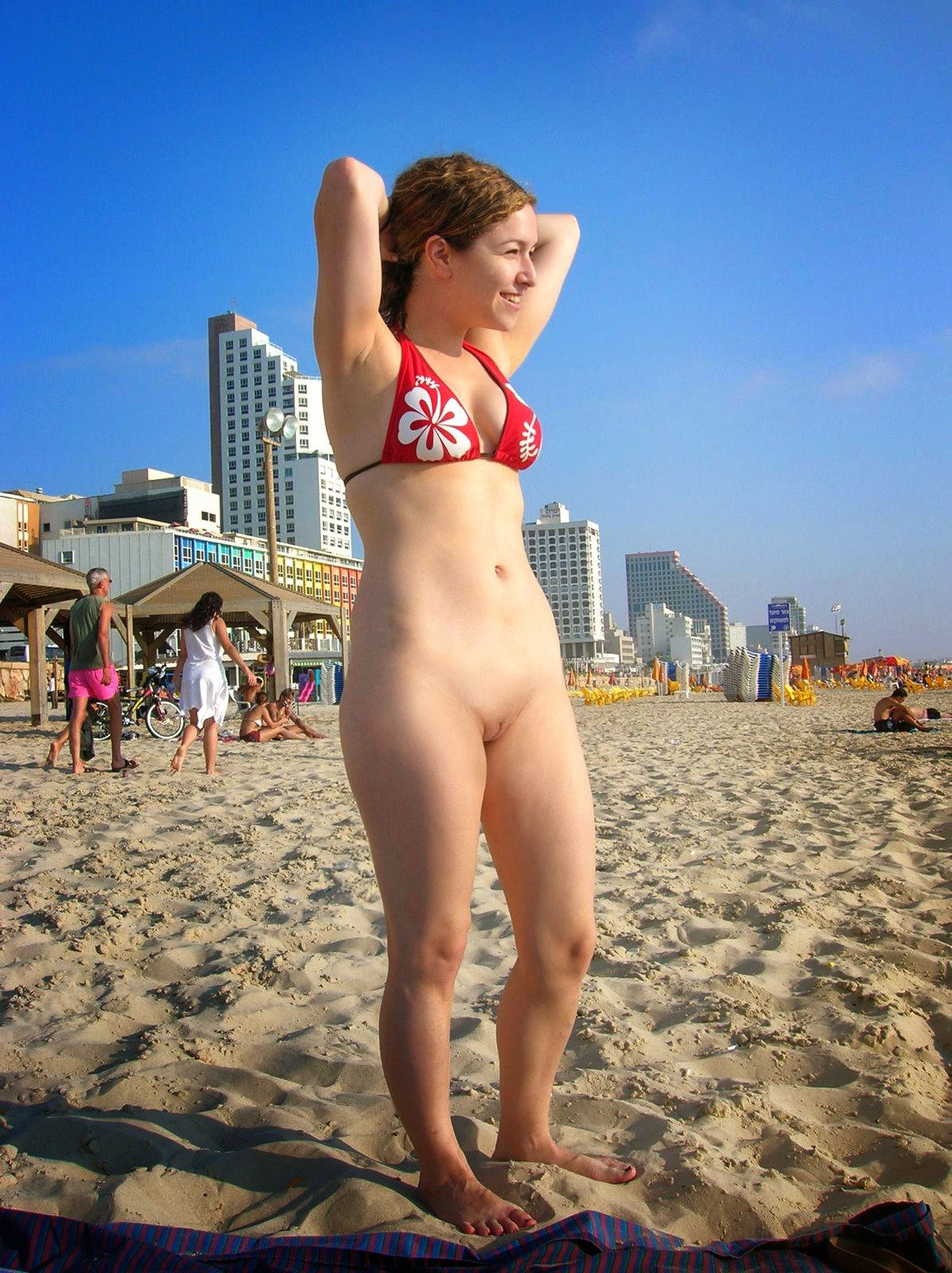 naked beach no pants