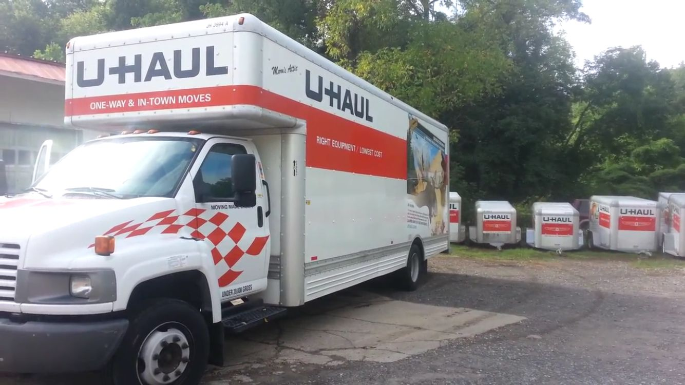 26ft U Haul Truck And Cargo Trailers With Images U Haul Truck