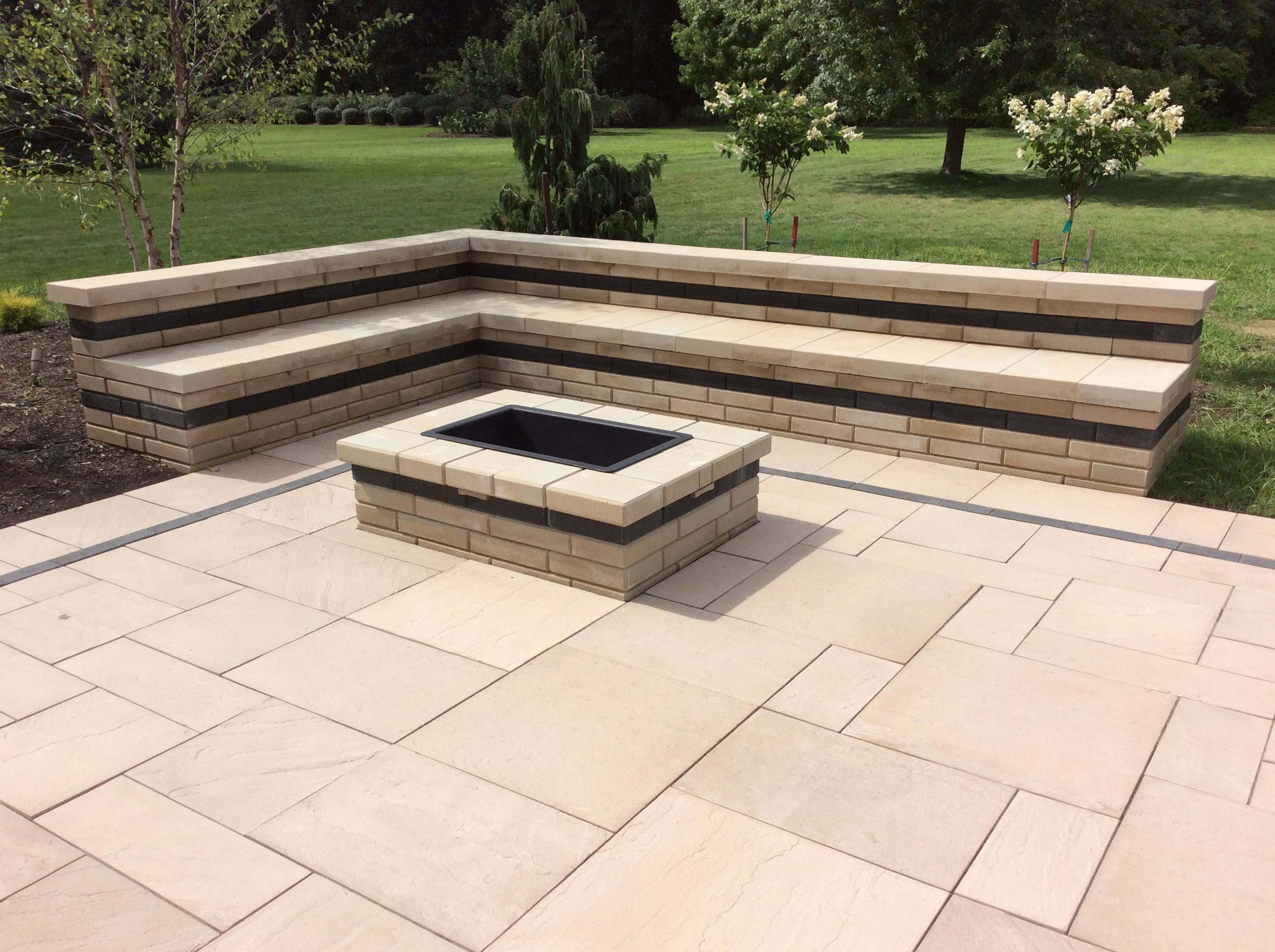1 100sf two tiered paver patio with 10ft long bar drop in cooler