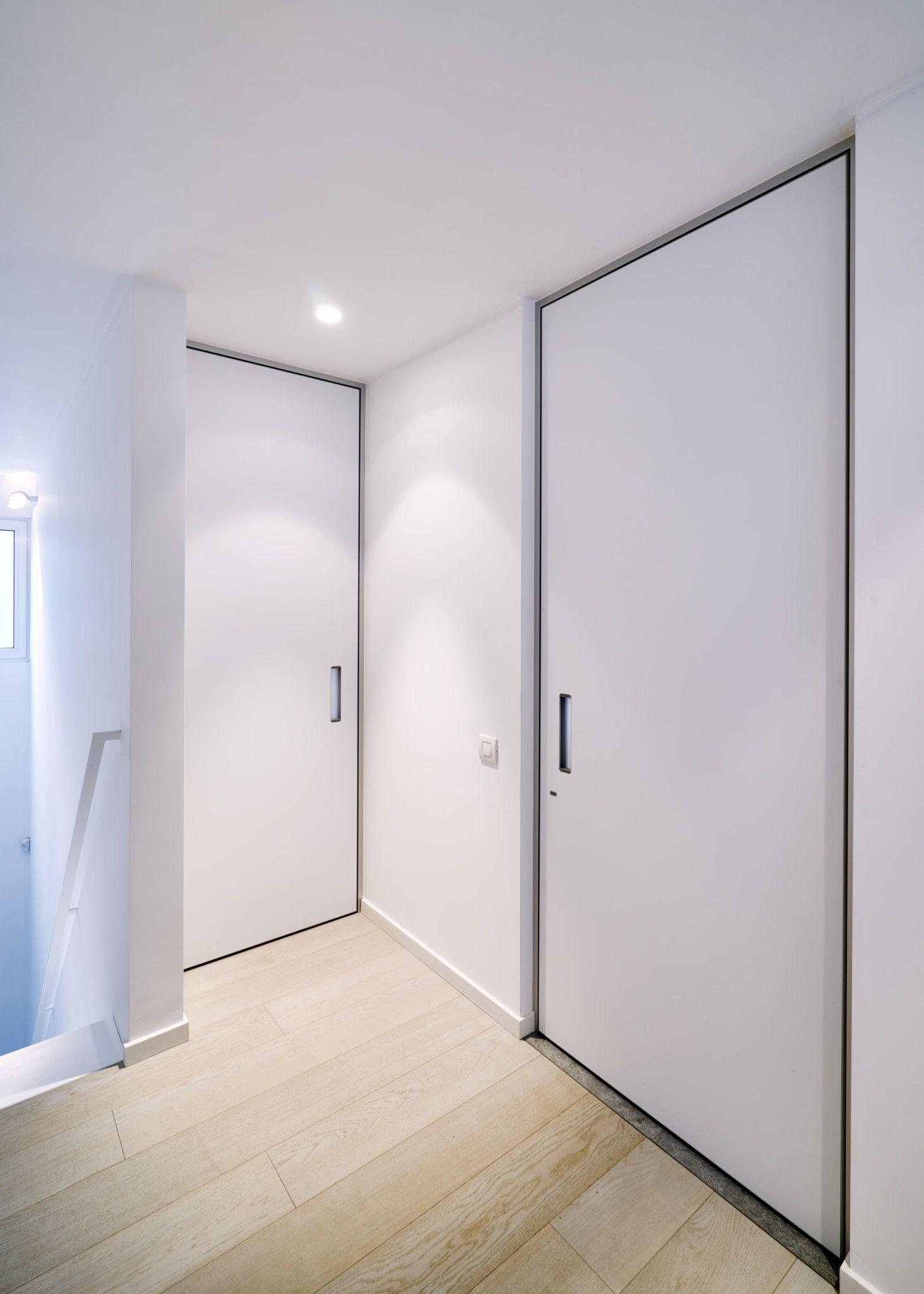Kamerhoge Deuren Van Anyway Doors Met Een Strakke Aluminium Blokomlijsting