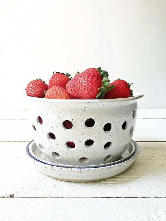 Ceramic Berry Bowl, White Berry Bowl, Berry Bowl Colander, Pottery Colander, Ceramic Strainer, Potte #makingpottery #ceramicbowls
