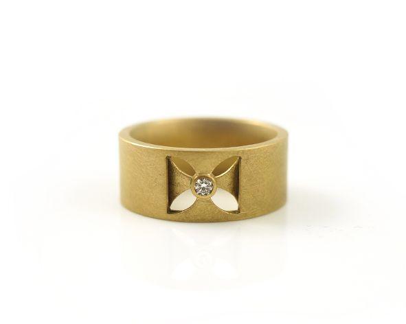 Exklusive Ringe  edler Schmuck aus Gold Silber und Platin  Susanne Vorsprecher  diamond ring