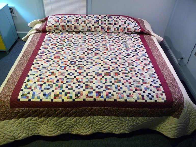 Handmade and Patchwork Double Wedding Ring Quilt (With
