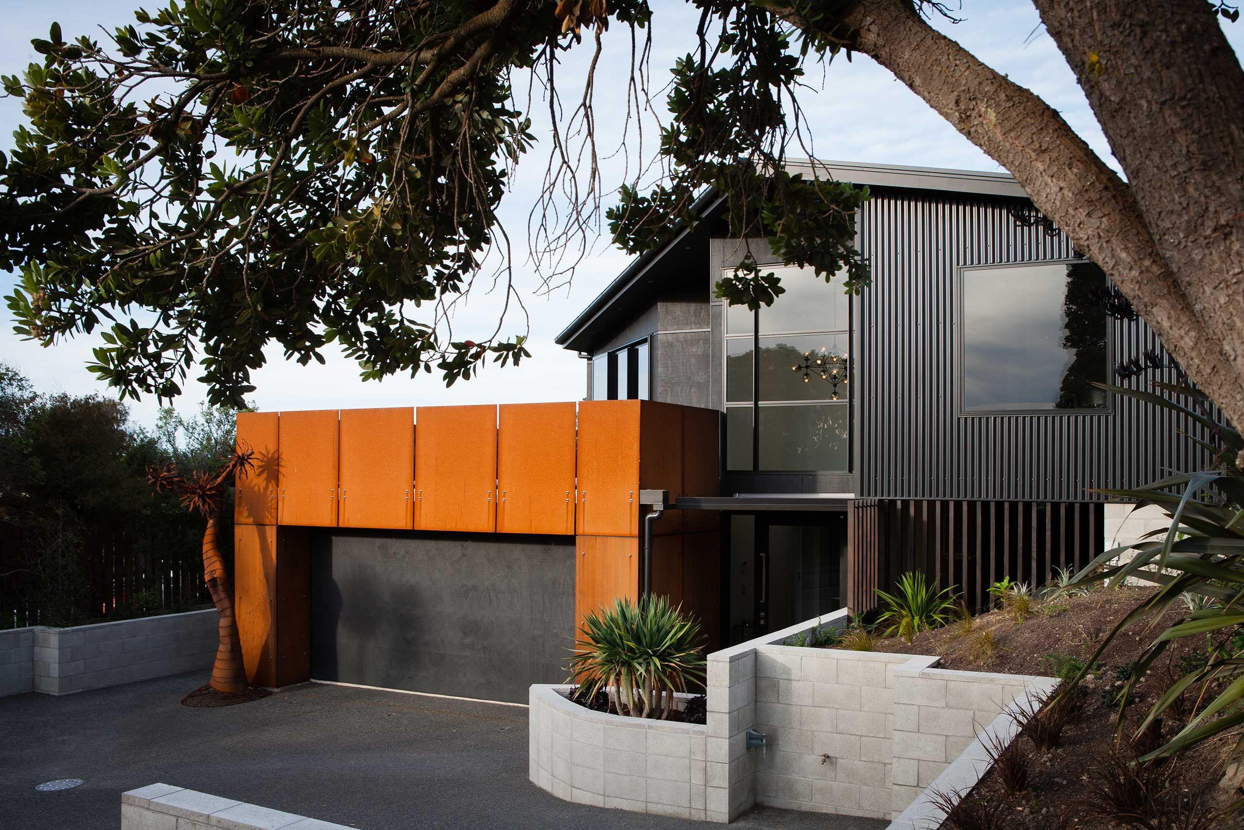 Best Image Result For Black Colour Steel And Plaster Cladding 400 x 300