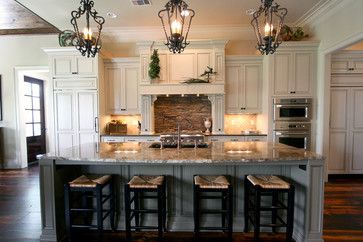Kitchen Island Classic Cupboards Traditional Kitchens Traditional Kitchen New Or Kitchen Design Examples Kitchen Cabinet Design Kitchen Remodel Design