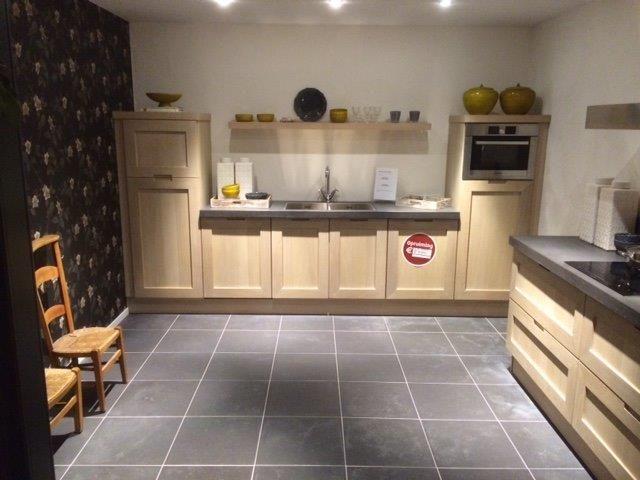 Tijdloze rechte keuken rechte keukens showroom