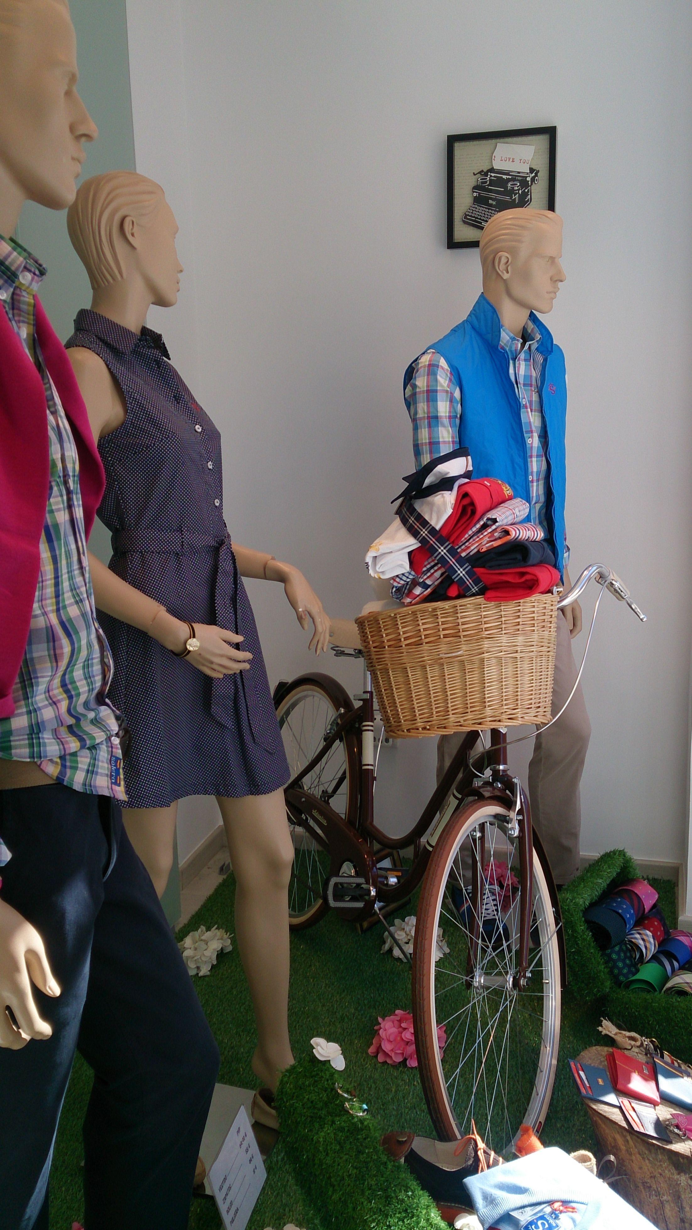 Bicicleta #Adriatica modelo Danish en el escaparate de la tienda Solera MIlla de Oro en C/ Narvaez, Madrid