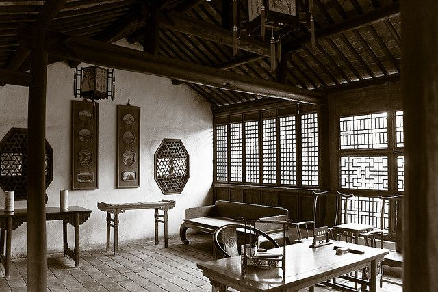 Traditional chinese interiors windows is ancient chinese for Interior decoration and design influences