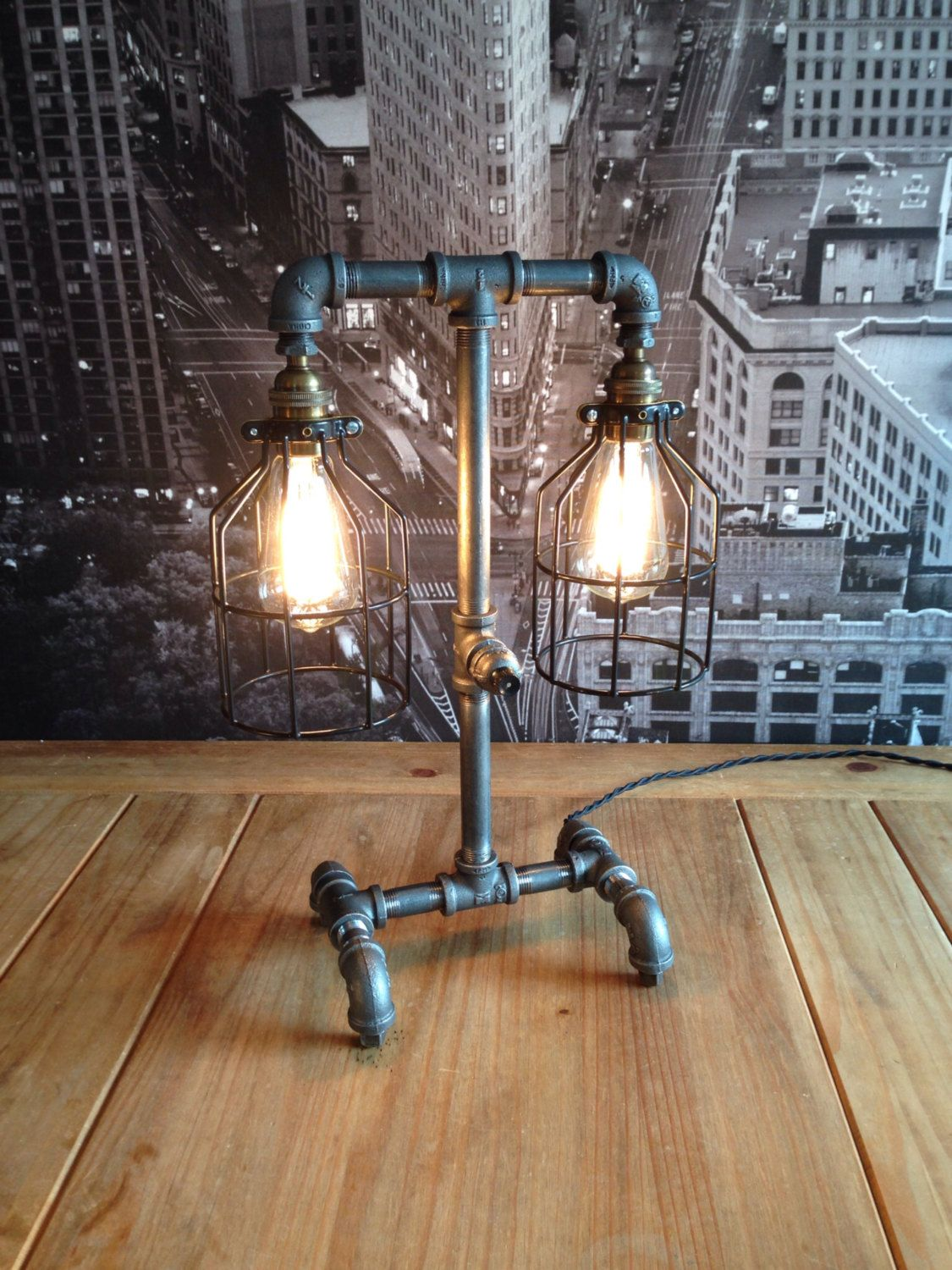 The steampunk industrial style table lamp do it yourself pinterest the steampunk industrial style table lamp solutioingenieria Choice Image