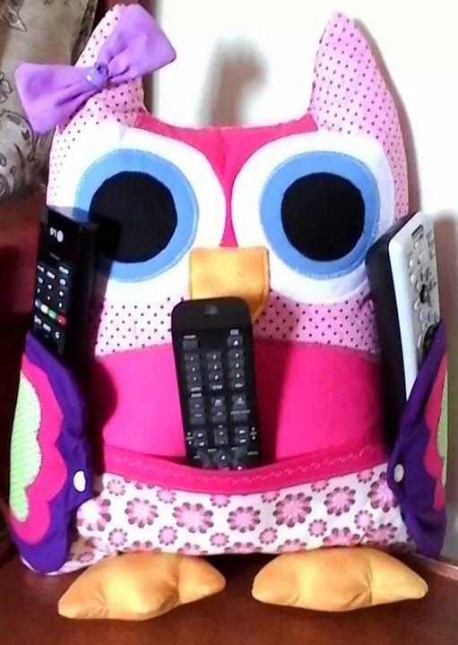 Almofada coruja porta controle vc encontra no Facebook ateliegabi@gmail.com