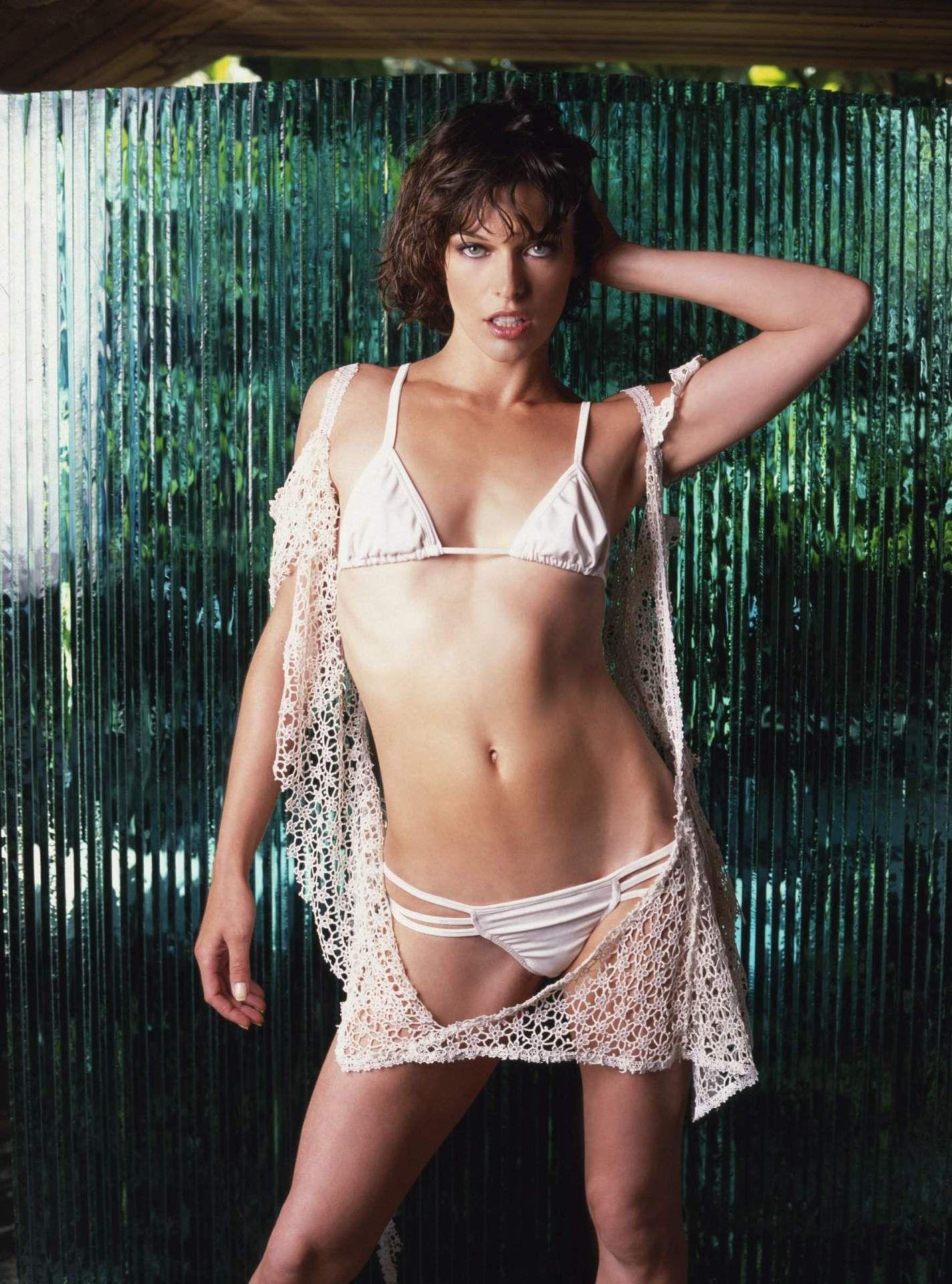 breast Milla jovovich