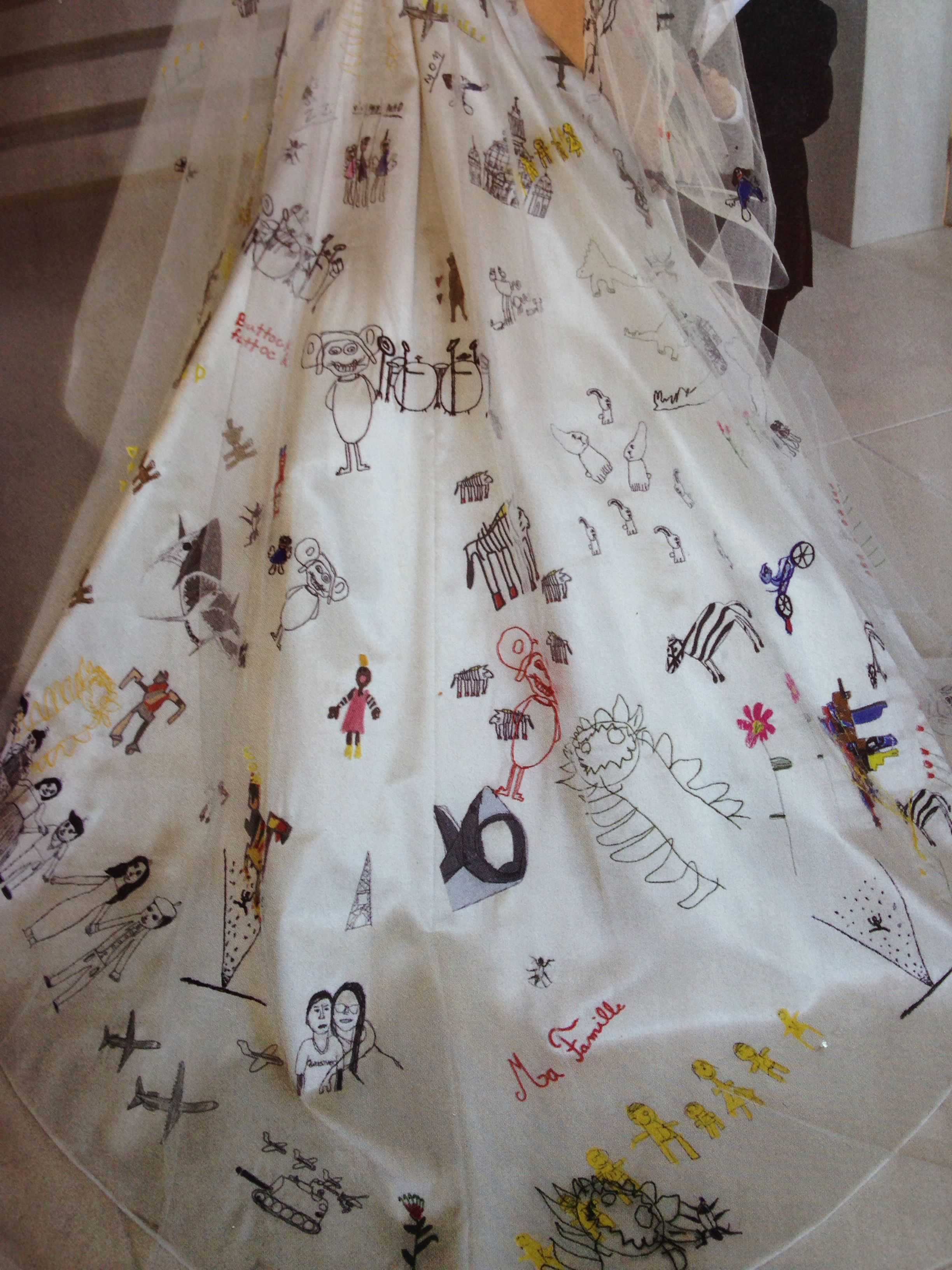 Angelina Jolie S Hand Embroidered Wedding Gown With Their Kids Drawings