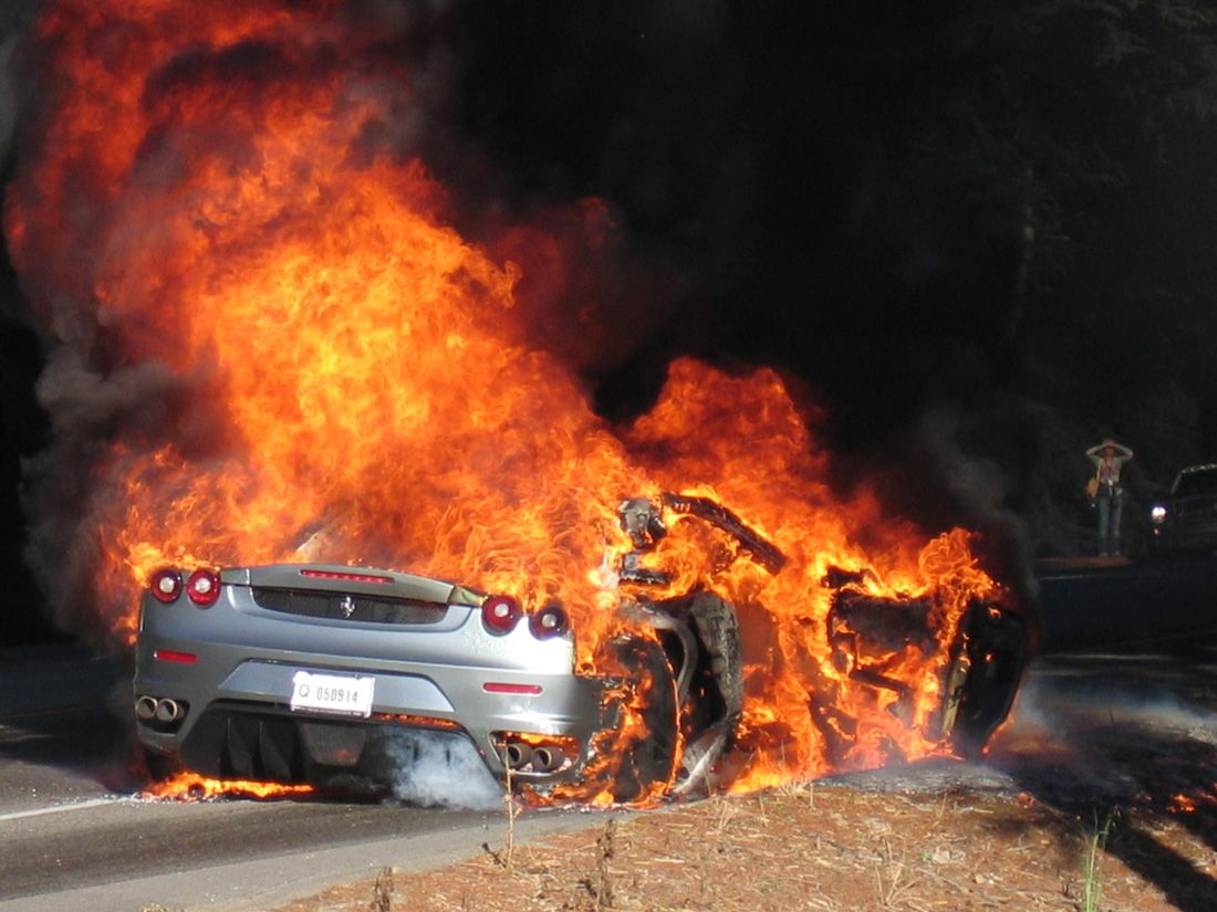 Ferrari So Hot Right Now 1100x825 Fire Car Crash Love Background Images
