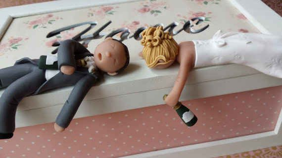 21 Adorably Unusual Wedding Cake Toppers With Images Funny