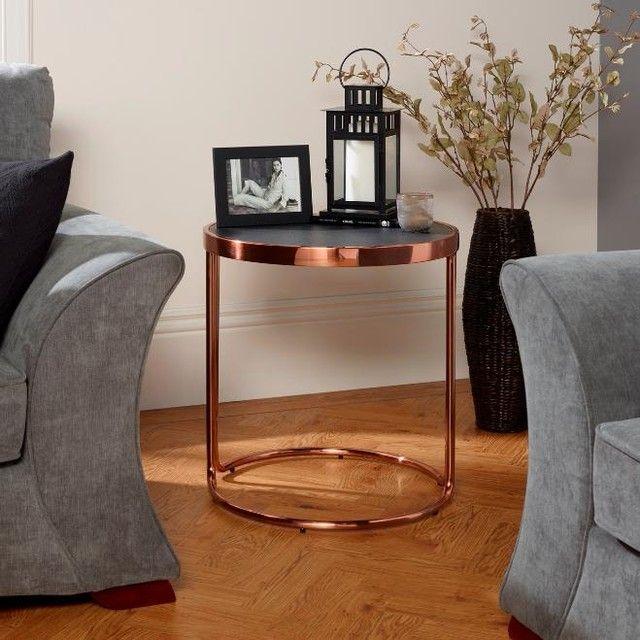 Schlichtes & edles Design fürs Wohnzimmer: Mit diesem Beistelltisch ...