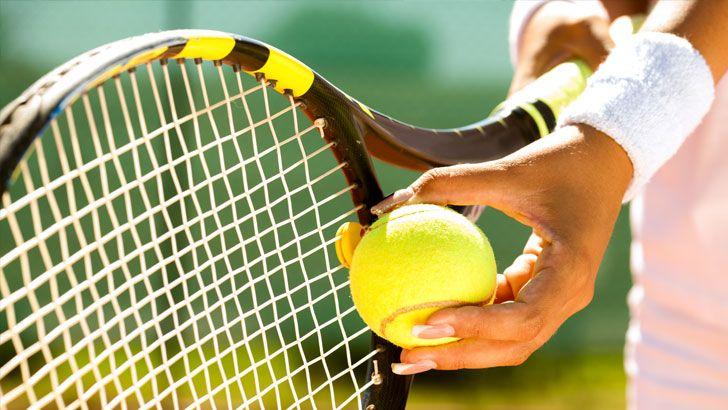 Tenis olimpik bir spordur, iki kişi veya ikişer kişilik gruplar halinde oynanır. Tenis oynayan kişiler ellerinde var olan raketlerin yardımı ile lastik olan bir topu karşıdaki rakibin kortuna atmaya çalışırlar, kurallar içinde en çok puanı toplayan kişi ya da takım oyunun kazananı olur.