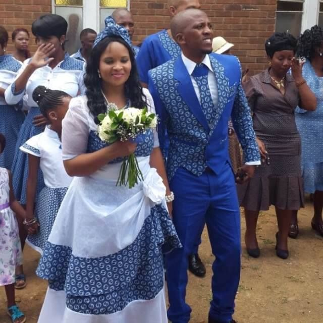Blue And White Traditional Wedding Attire.