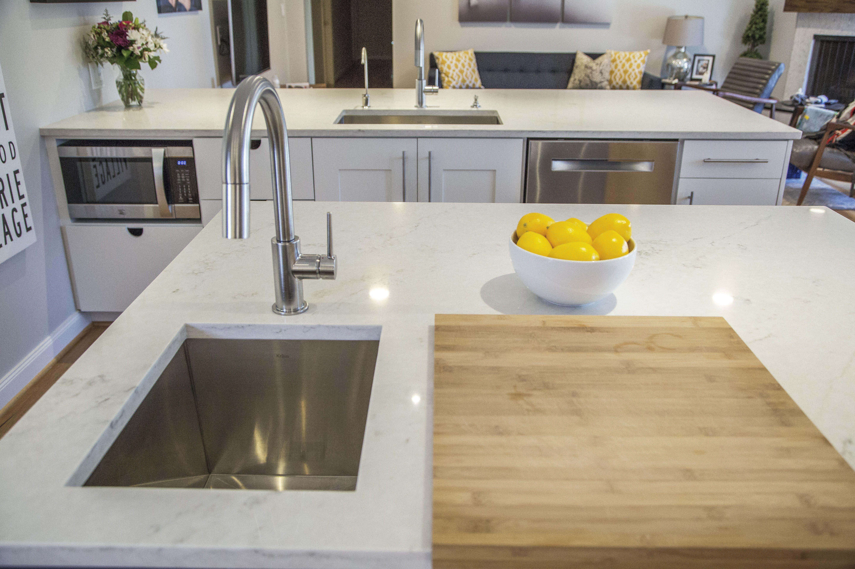 Er Quartz Or Granite Countertops