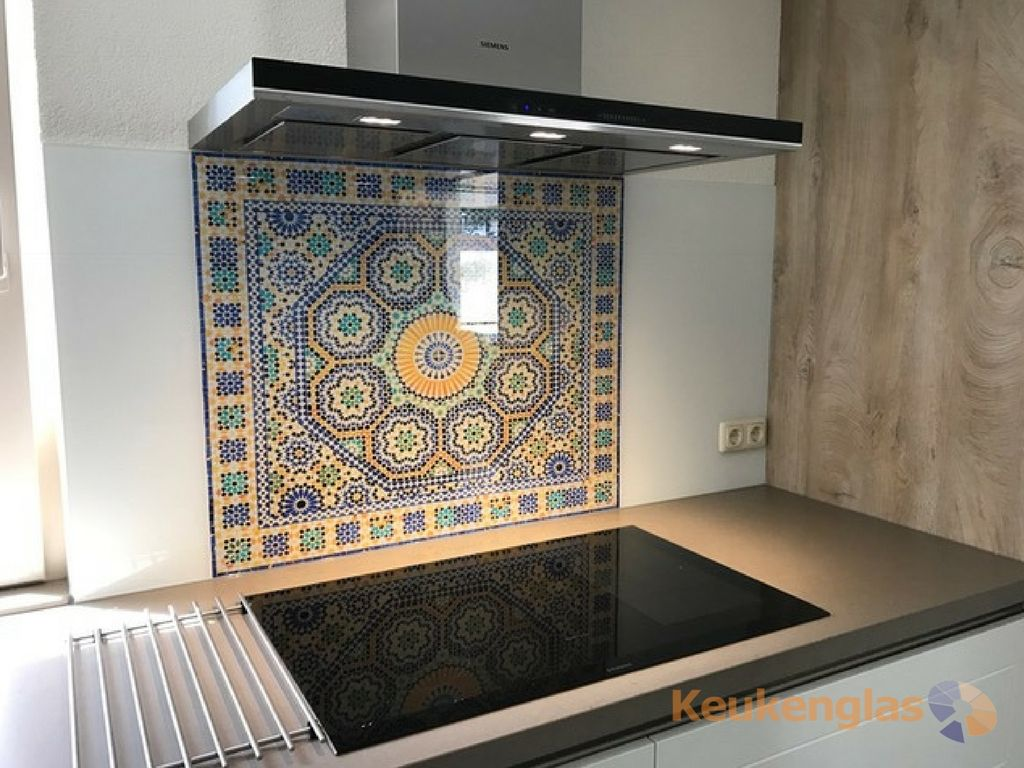 Keukenglas wit met afbeelding van mozaïek keukensglas spatwand