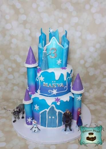 Photos enfants g teaux magik frozen castle cake reine for Le chateau de la reine des neiges