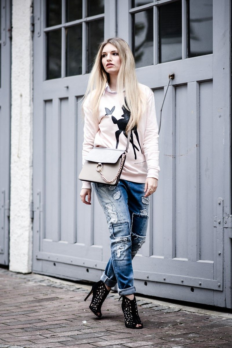 Patchwork-Party! Fashionblogger @Franziskaelea rockin' her #BlueMonkeyJeans ! #Denimlove #JustBeMonkey #Patchwork