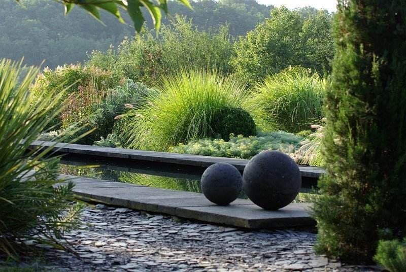 Deco Jardin Boule En Metal Idee D Amenagement Exterieur Jardin