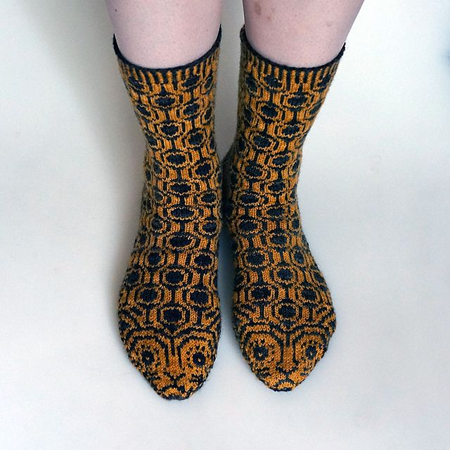 Kittenish Knitting : Critter socks jaguar pattern by cate carter evans