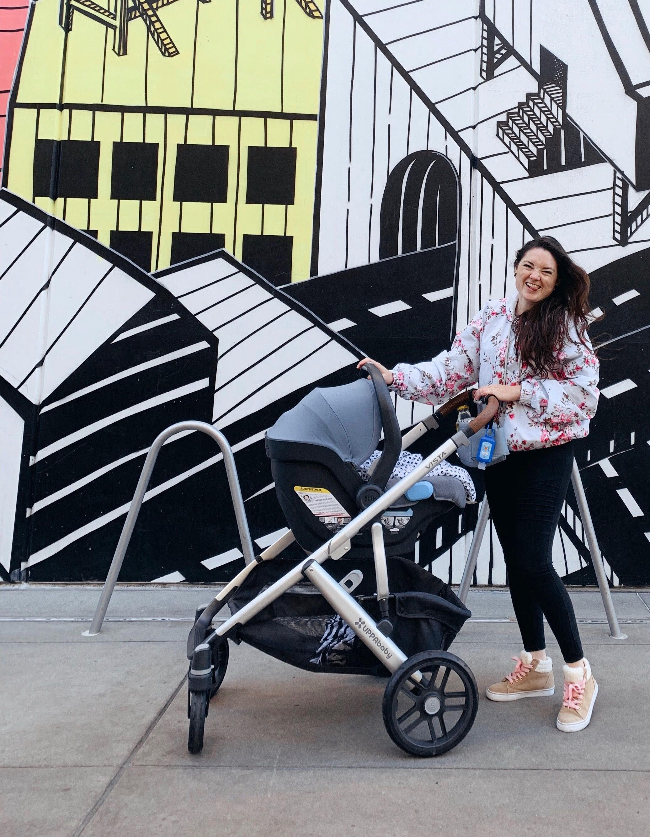 My stroller is a uppababy VISTA, color HENRY. I'm loving