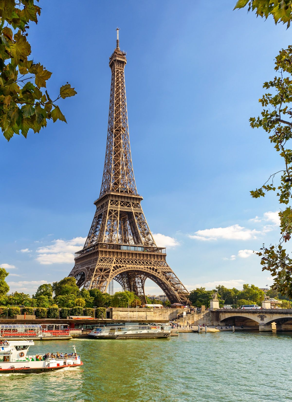 Enjoy live music and a delicious 3-course dinner in this romantic sunset Seine River cruise