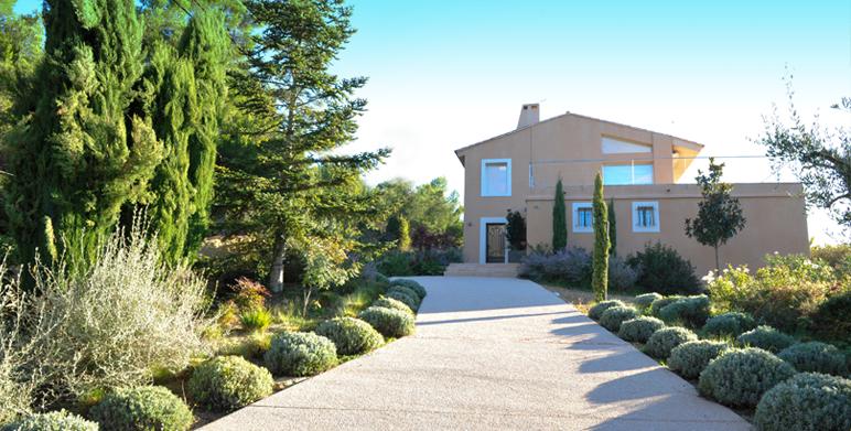 Jardin m diterran en st marc de jaumegarde garden - Creer un jardin mediterraneen ...