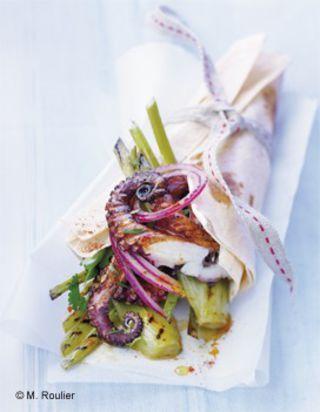 Petits poulpes ( octopus ) et fenouil ( fennel ) grillés en kebab