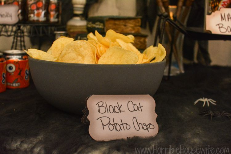 Harry potter halloween party and boo broomstick tutorial harry black cat brand potato chips are an easy finger food for your harry potter halloween party forumfinder Images