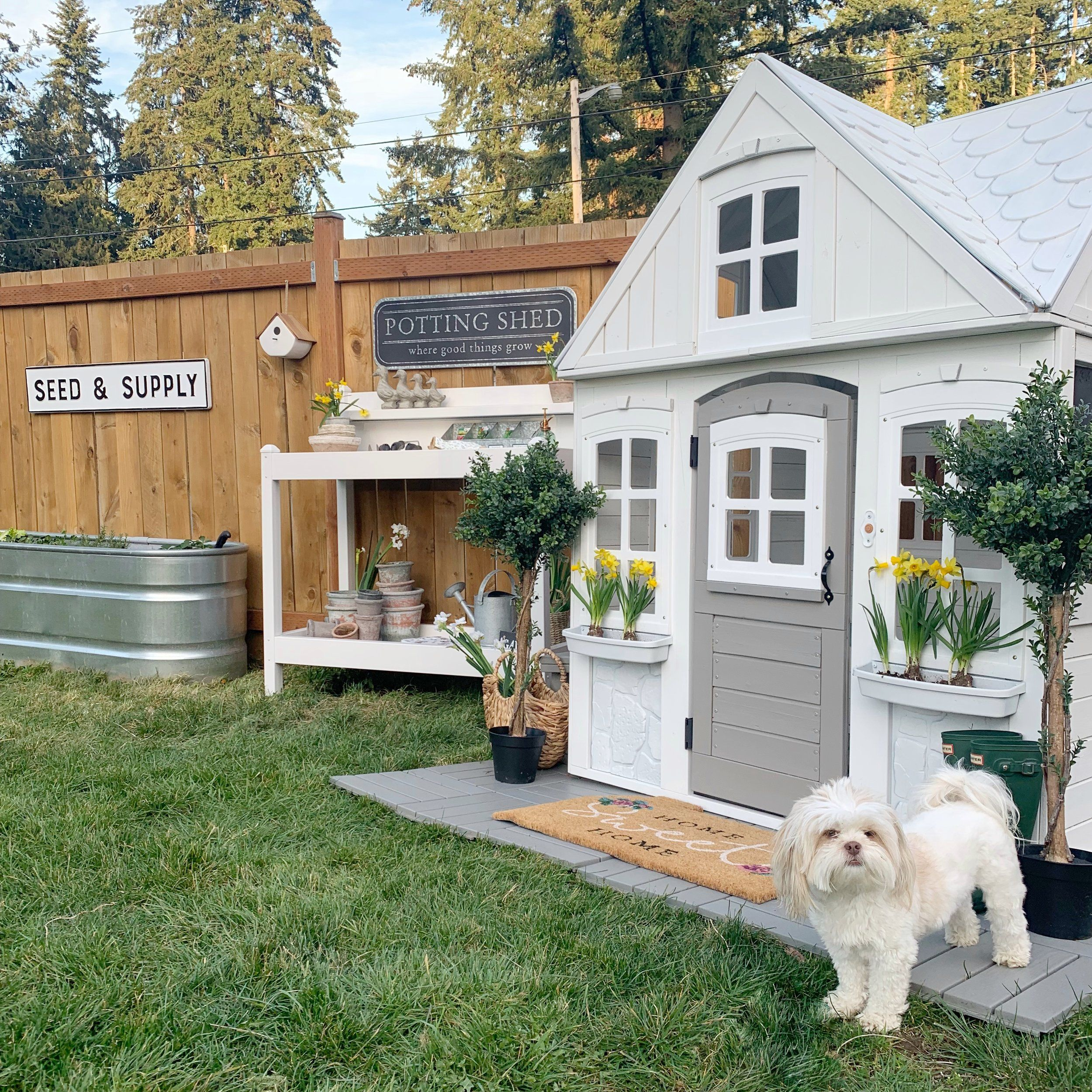 Spring Garden + Playhouse https//www.dreamingofhomemaking