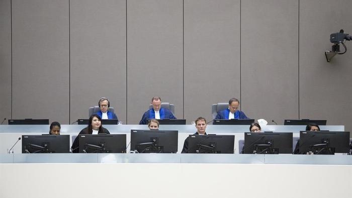 Erstmals werden vom ICC Kriegsverbrechen der USA aufgeführt, aber die bislang praktizierte Einseitigkeit droht ihn und damit die internationale Gerichtsbarkeit zu zerbrechen