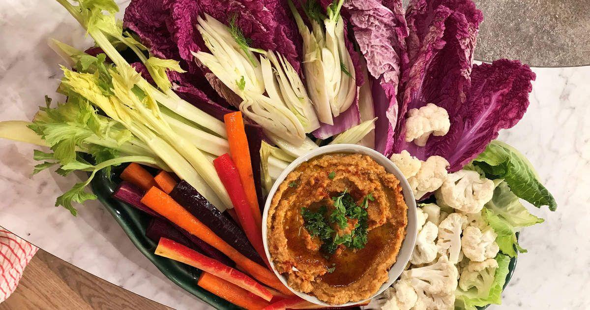 Kikärtsröra med höstiga citronmarinerade grönsaker | Recept från Köket.se