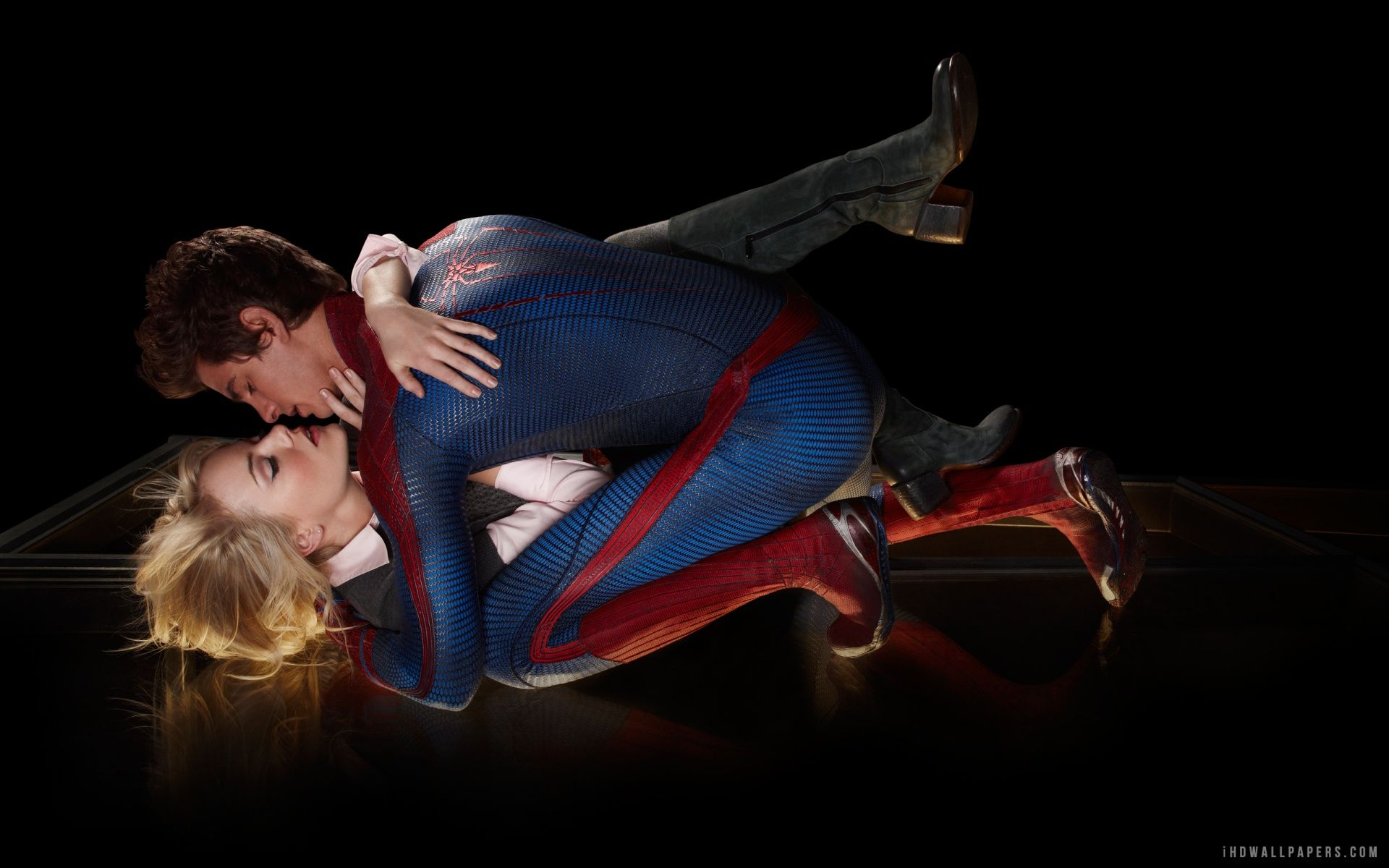 The Amazing Spider Man 2 Gwen Kissing Peter Phone Picture Google