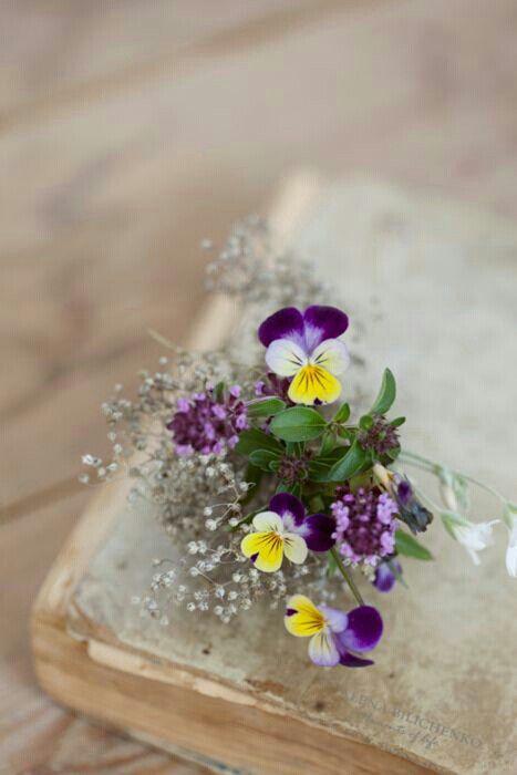 •flores