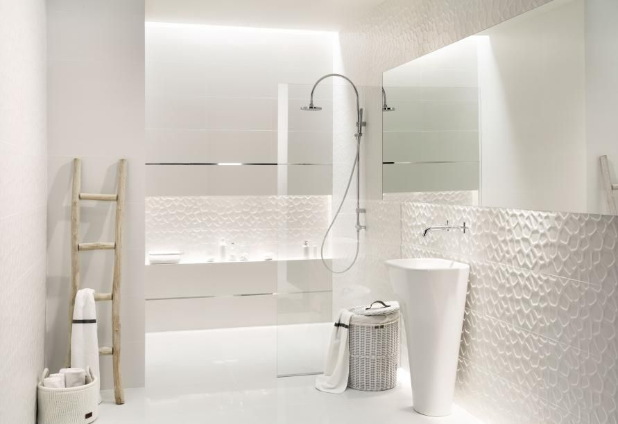 Bagno Rilassante ~ All in white tubądzin bathroom pinterest