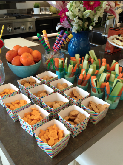 Simple summer party planning tips savvy sassy moms kid for Easy housewarming party food