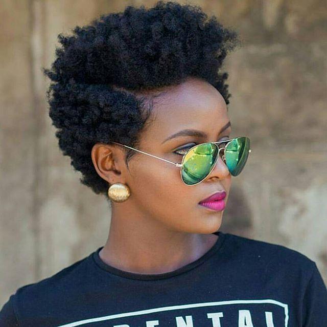 Modele de coiffure pour cheveux naturels courts